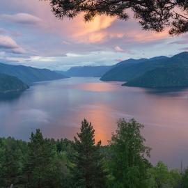 Алтай: озера, водопады, горы и пещеры. Каменные грибы Алтая