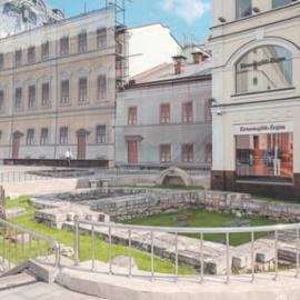 Фундамент церкви Троицы в Полях