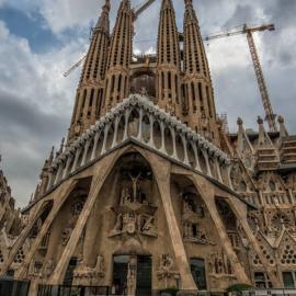 Барселона: памятники, арки, храмы, площади, парки, стадионы, арки