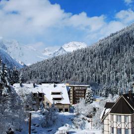 Домбай - горнолыжный курорт: трассы, перевалы, горы и вершины