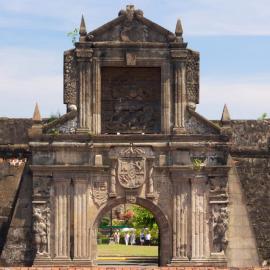 Манила: храмы, океанариум, форт Сантьяго, Сан-Диего Гарденс, кухня