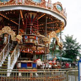 Парк Тиволи (Дания): развлечения и аттракционы. Карусели и горки